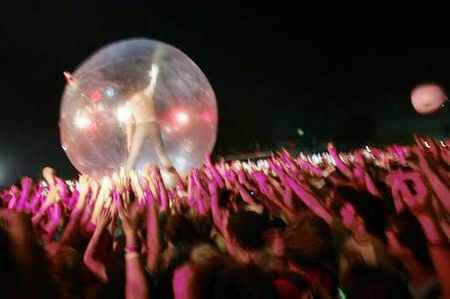 bonnarooflaminglips